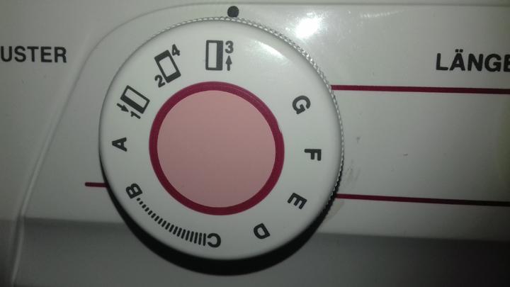 Nähmaschine-4-Schritt-Knopflochautomatik-Schritt-3
